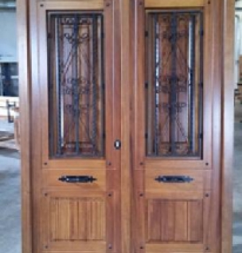 Puerta rustica modelo t 1 for Puerta de madera exterior usada