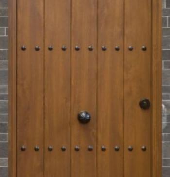 Puerta rustica partida de tablas modelo 02 www for Puertas madera rusticas interior